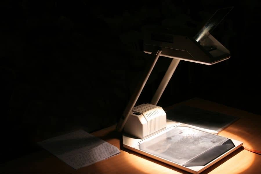 overhead projector for tracing