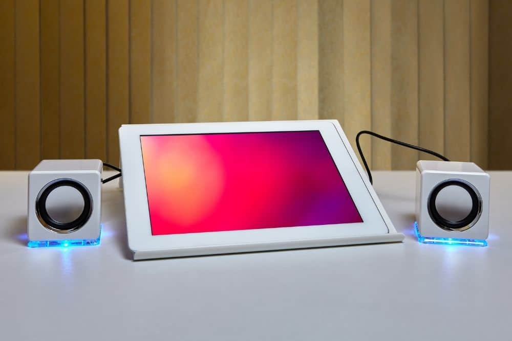 speakers are compatible with a tablet
