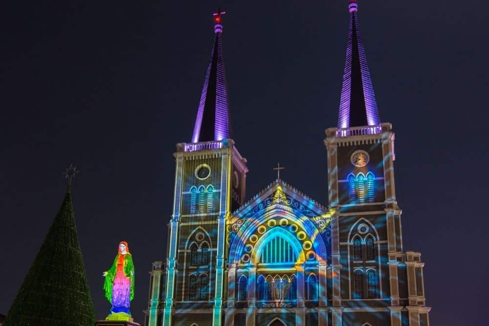 3D projection mapping on church at The Cathedral
