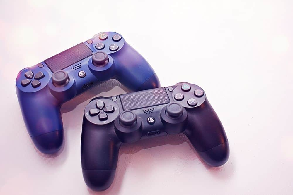PS4 playstation controllers
