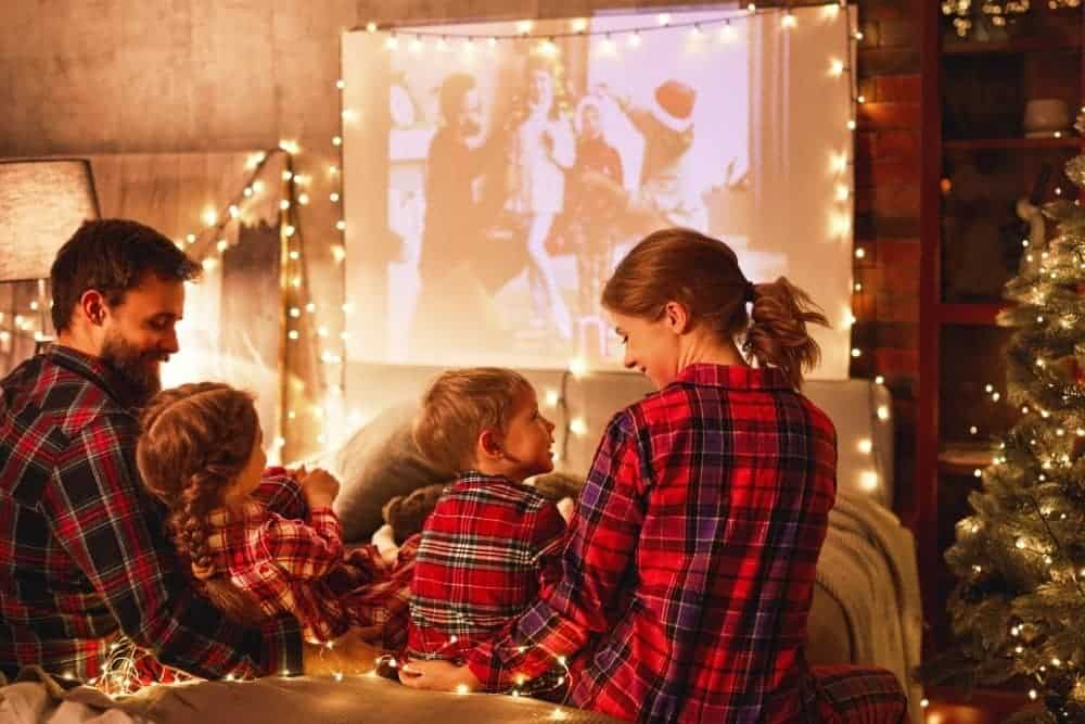 Use A White Sheet As A Projector Screen for Movie Night
