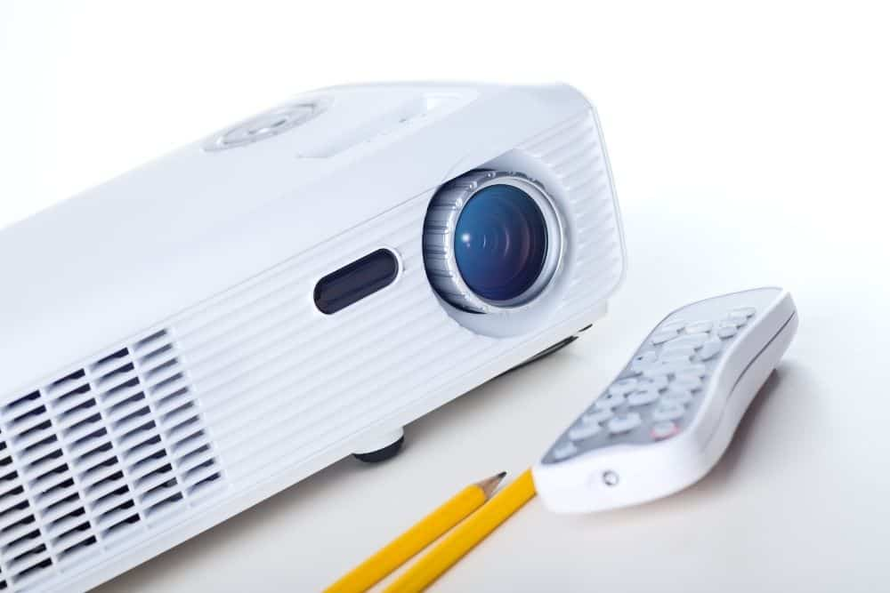 calculate projector power consumption