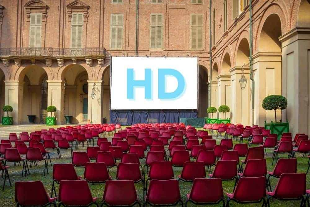 HD image resolution on white projector screen in the church