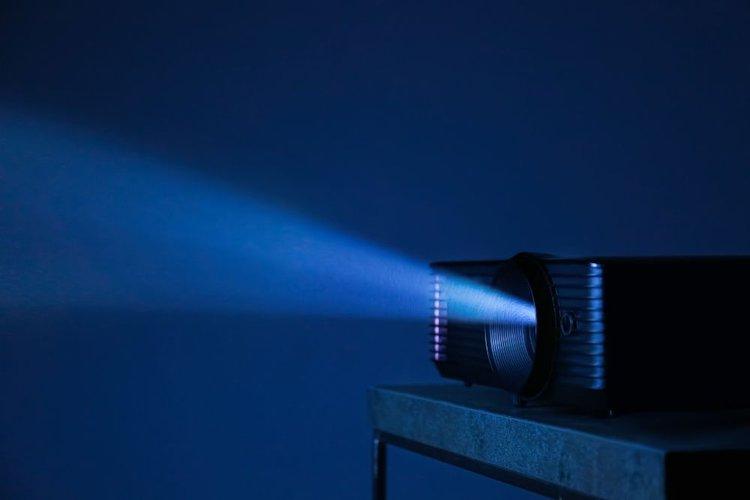 projector light in dark