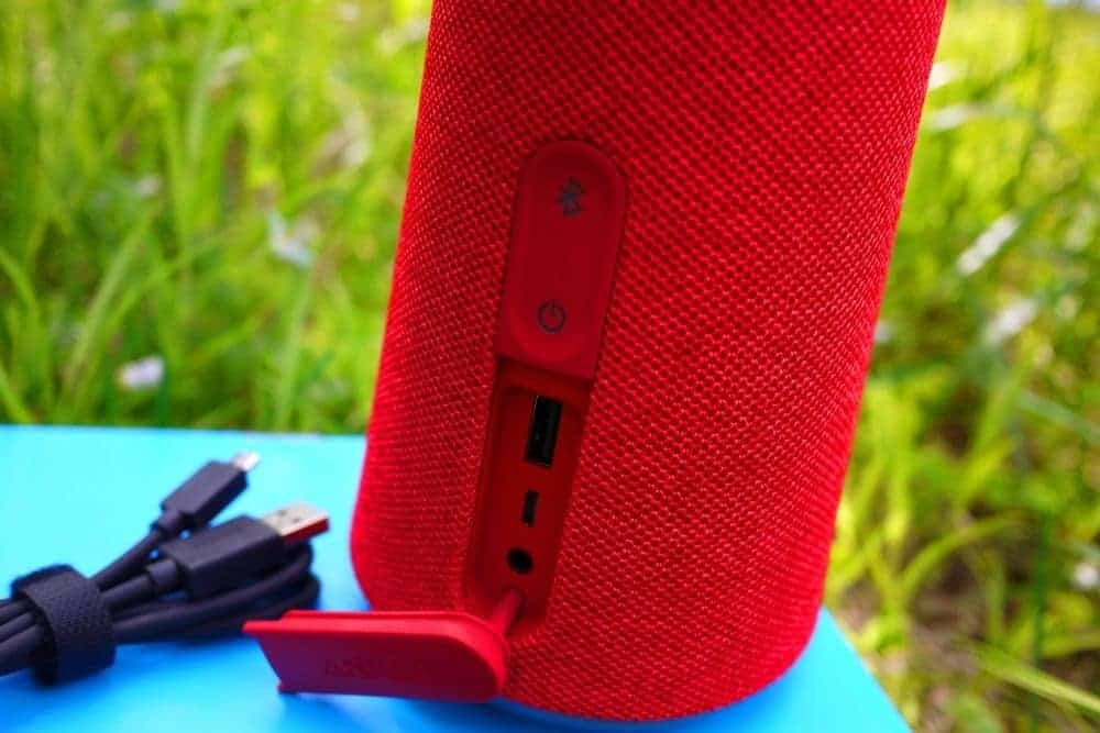 red bluetooth speaker with usb port