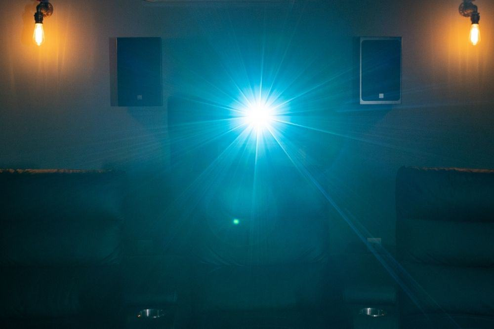 projector lens flare blue light