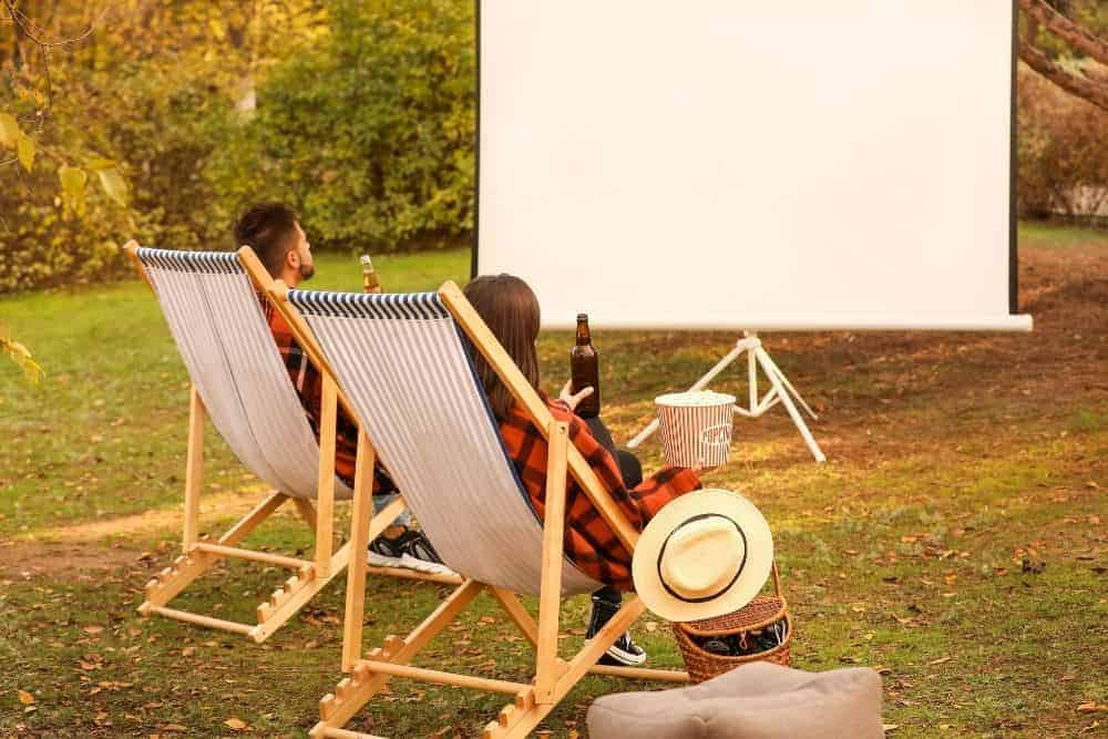 projector screen for outdoor movie theater