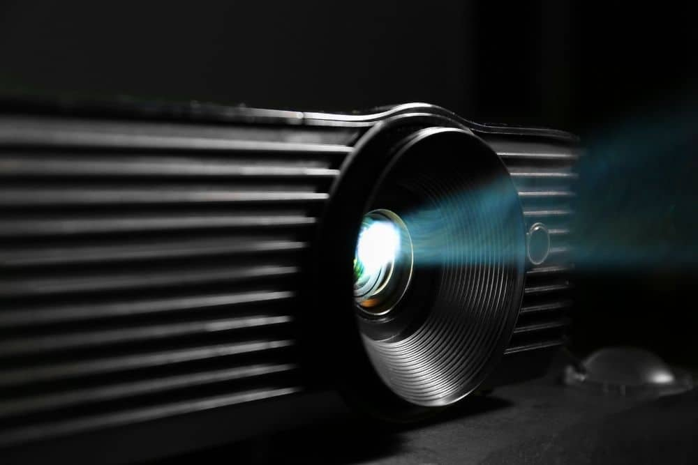 how projector produces black color