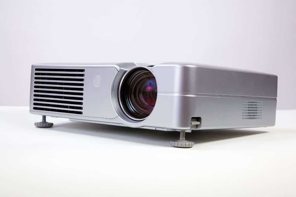 an LCD projector with 20000 hours lamp life