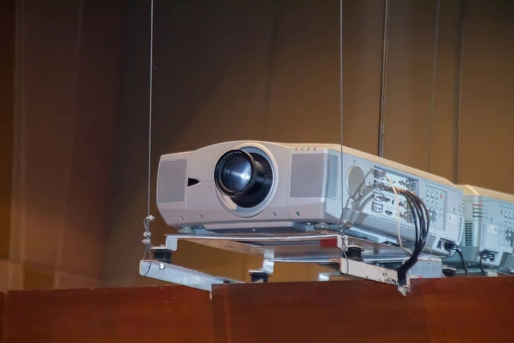 hang projector from the ceiling