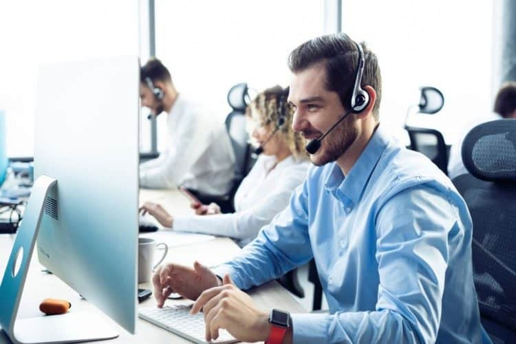 Contacting customer support center
