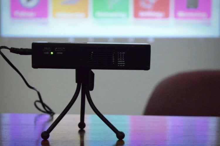 zoom on a projector
