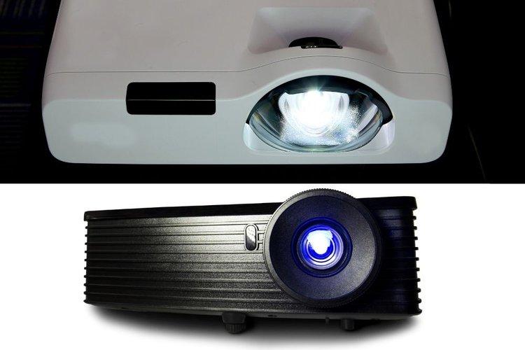 2 projectors for comparison