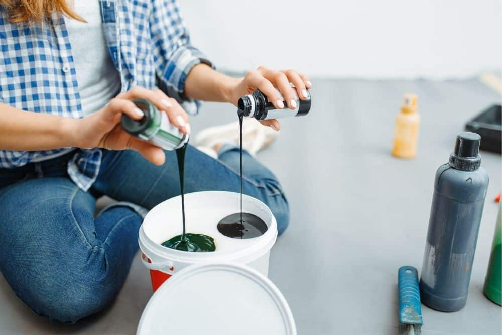 Mixing A Projector Screen Paint