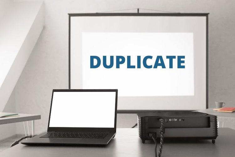 duplicating screen on projector using shortcut key