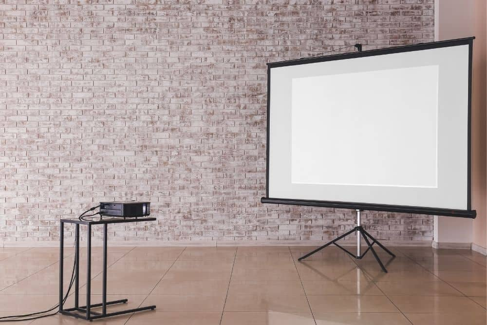 projector paralleled to a screen