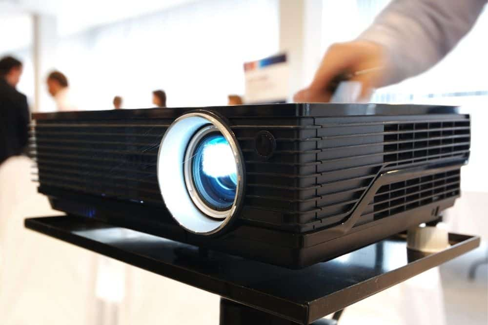 switching projector between ON/OFF