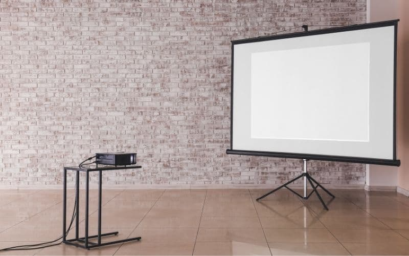 best distance to mount projector from screen