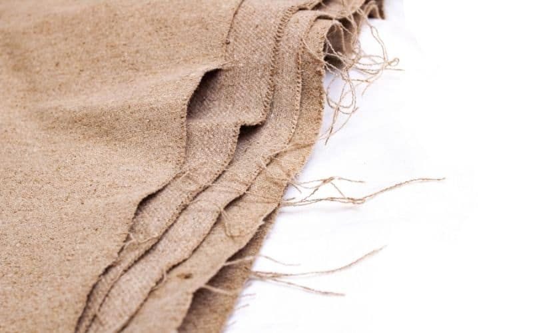 Burlap Cloth for DIY projector screen ideas