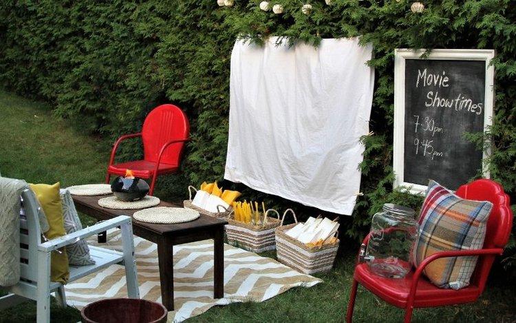 outdoor projector screen ideas