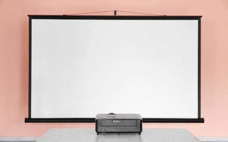are projector screens worth it