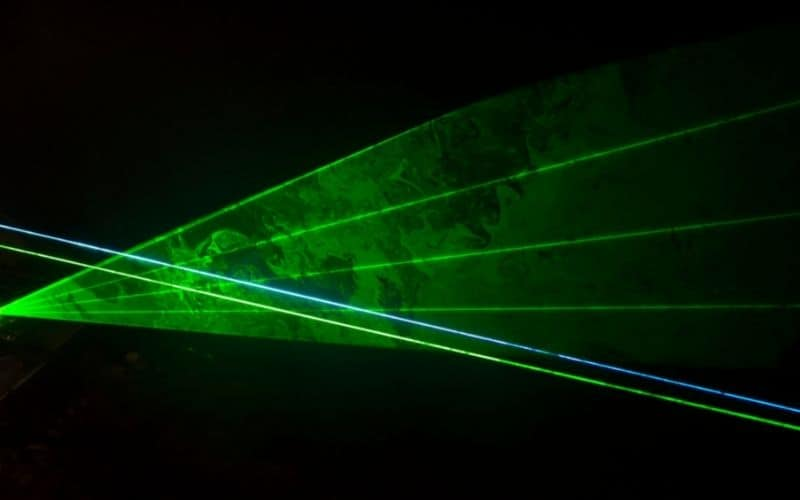 how to make laser pointer beam visible