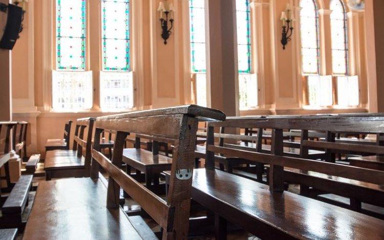 seat arrangement in church
