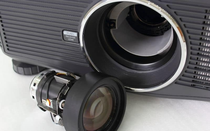 how to clean optoma projector