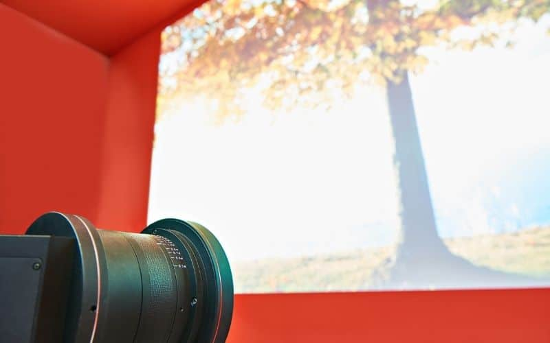 how to focus epson projector